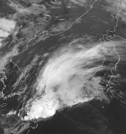九州で雨雲が次々発達